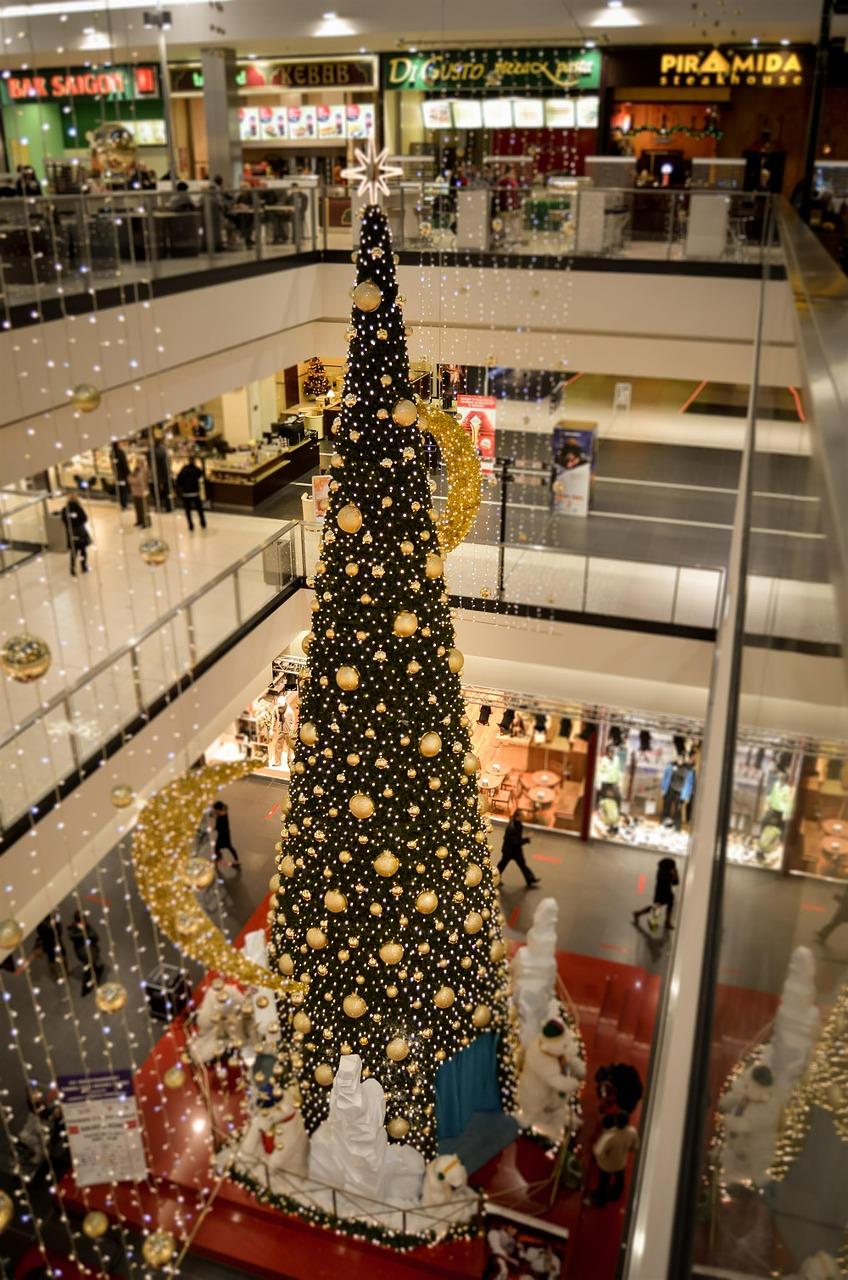 Przedświąteczny szał zakupów w listopadzie i grudniu